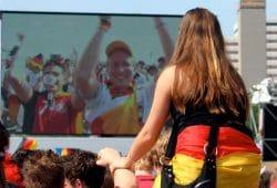 Soccer Fans Listicle Online-1